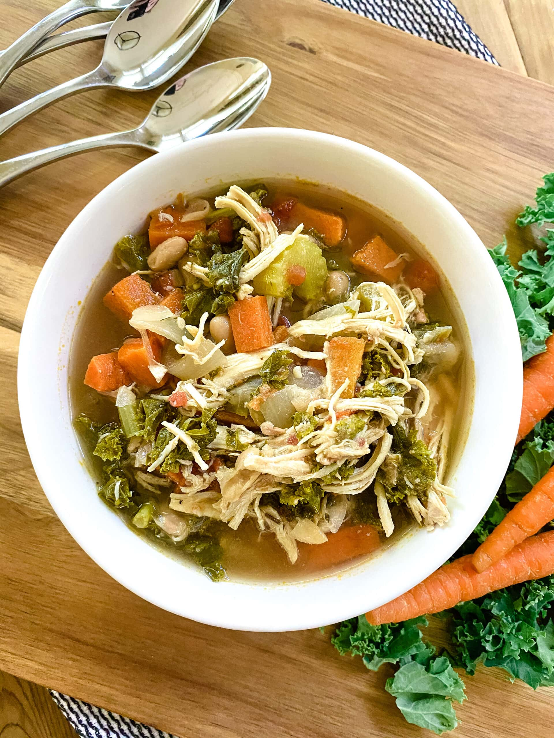Slow Cooker Tuscan Chicken And White Bean Soup